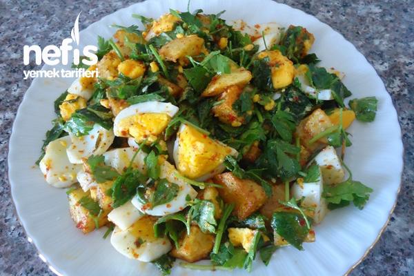 Yumurtalı Kızarmış Patates Salatası Tarifi