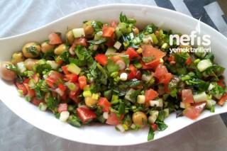 Zeytin Salatasının Yapılışı Tarifi