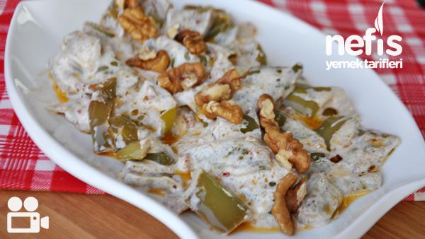 Çarliston Biber Salatası Tarifi