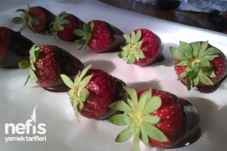 Çikolatalı Çilek Yapımı Tarifi