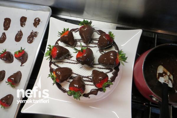 Çilekli Çikolata Pasta 2