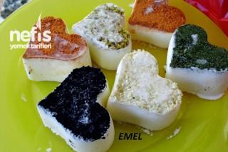 Kalpli Baharatlı Lor Peynir Tarifi