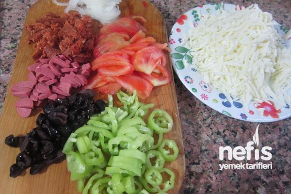 Kapalı Pizza (Calzone) Malzemeleri