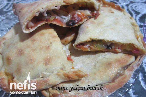 Kapalı Pizza (Calzone) Tarifi