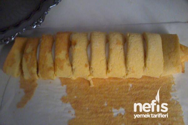 Rulo Pastadan Papatya Yaş Pasta 2