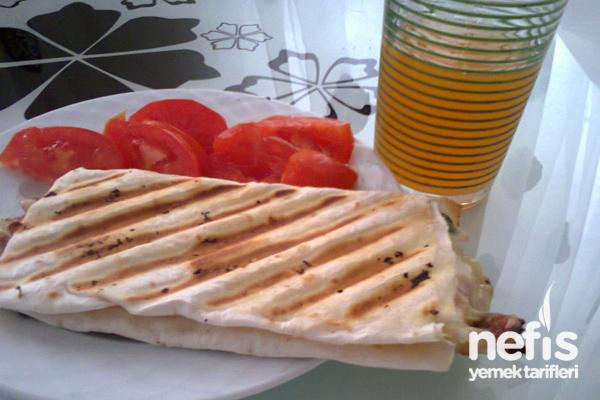 Yufkadan Tost Sandviç Tarifi
