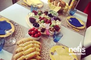 Begüm'ün Kahvaltı Sofraları Tarifi