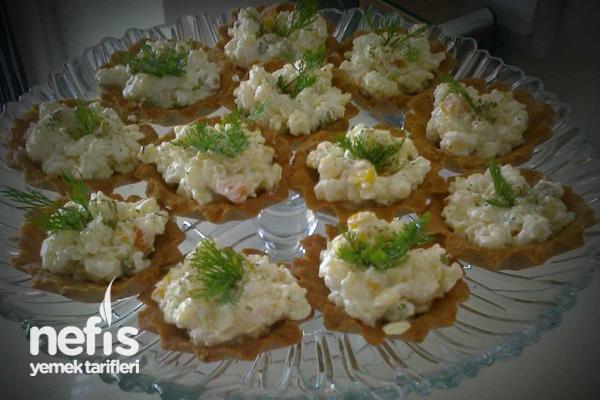 Hamur Kaselerde Makarna Salatası