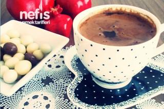 Orta Şekerli Çikolatalı Türk Kahvesi Tarifi
