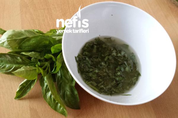 Fesleğenli Mozzarella Salatası 3