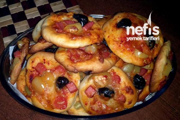 İkramlık Mini Pizza Tarifi