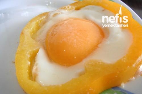 Kahvaltılık Biberli Yumurta Tarifi