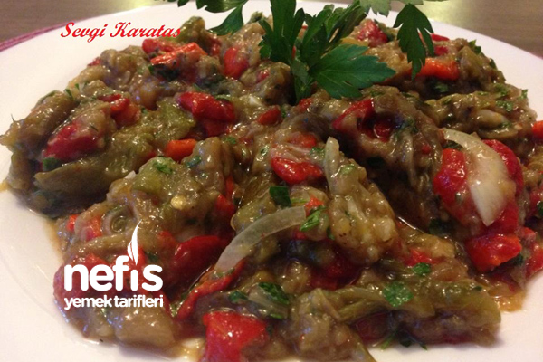 Közlenmiş Karışık Sebze Salatası Tarifi