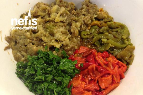 Közlenmiş Karışık Sebze Salatası Tarifi 2