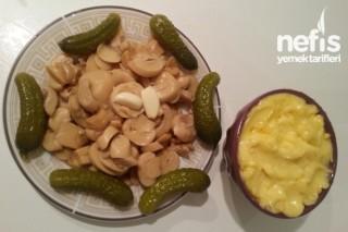 Mayonezli Mantar Salatası