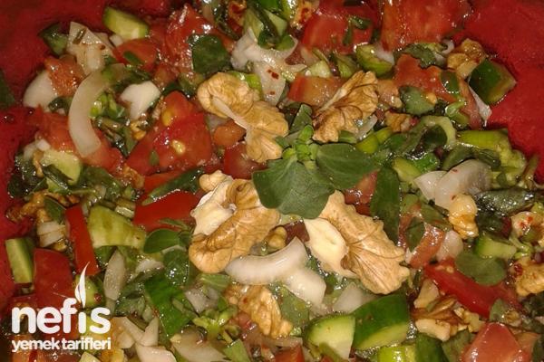 Semizotu Salatası Hazırlanışı Tarifi