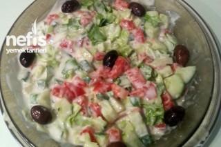 Yoğurtlu Salata Tarifi