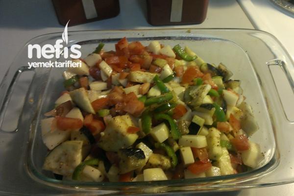 Fırında Patlıcanlı Türlü 2