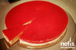 Frambuaz Soslu Cheesecake Tarifi