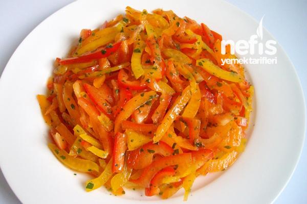 Paprika Salatası