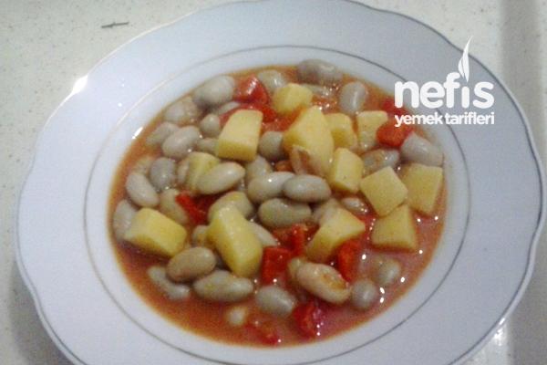 Patatesli Kırmızı Biberli Barbunya Tarifi