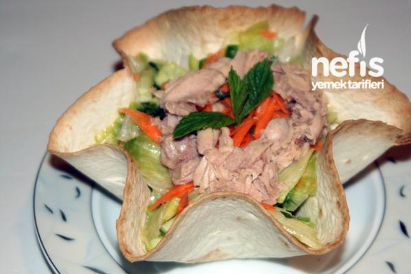 Ton Balıklı Tortilla Salatası Tarifi