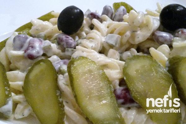 Çeşnili Makarna Salatası Tarifi