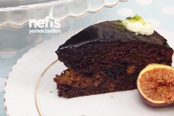 Elmalı Tarçınlı İç Dolgulu Kakaolu Kek Tarifi