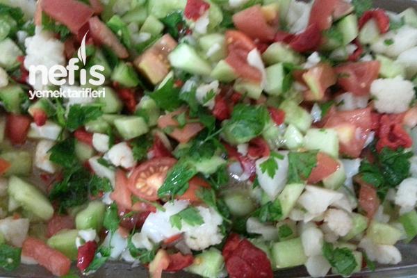 Karışık Karnabahar Salatası Tarifi