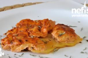 Fırında Kremalı Salçalı Tavuk Yemeği Tarifi