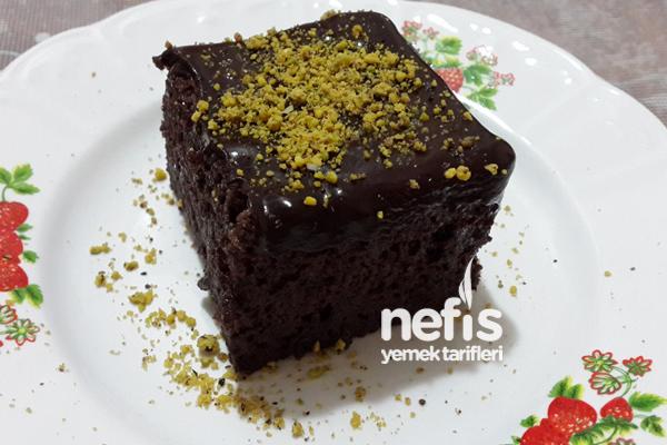 Çikolata Soslu Islak Kek Nasıl Yapılır?