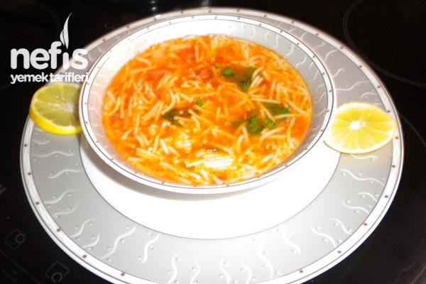 Kıymalı Şehriye Çorbası Tarifi