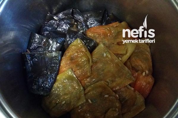 Nar Ekşili Kuru Biber ve Patlıcan Dolması 2
