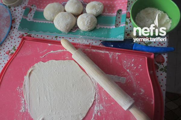 Ekmek Pizza Yapılışı Videosu