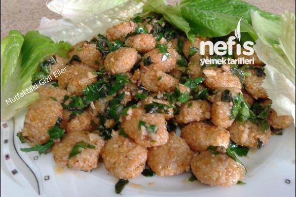 Bulgur Köfteli Salata Tarifi