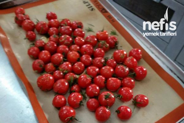 Fırınlanmış Mevsim Sebzeleri Ve Cherry Domatesler