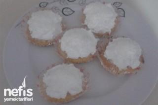 Kar Yağdı Top Kekler Tarifi