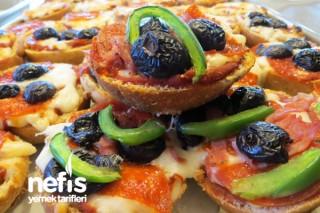 Kepekli Sandviç Ekmeğinde Pizzacıklar Tarifi