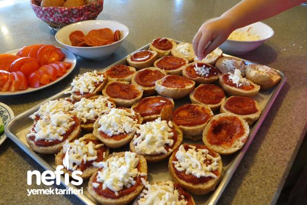 Kepekli Sandviç Ekmeğinde Pizzacıklar 3