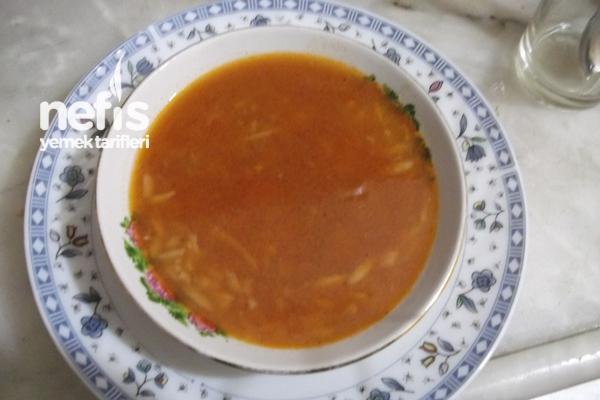 Mercimekli Şehriye Çorbası Tarifi