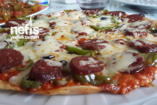 Milföy Hamuruyla Tavada Pizza Tarifi 1