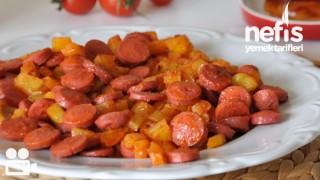 Salçalı Patatesli Sosis Nasıl Yapılır?