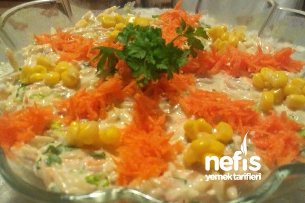Yoğurtlu Arpa Şehriye Salatası Tarifi