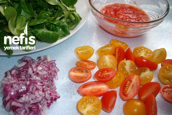 Domates Soslu Semizotu Salatası 2