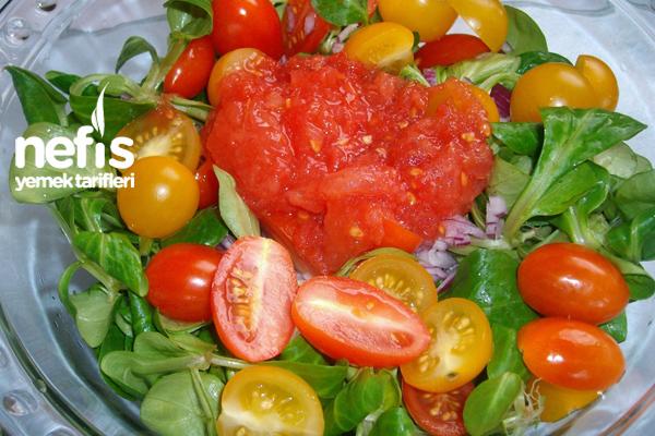 Domates Soslu Semizotu Salatası 3