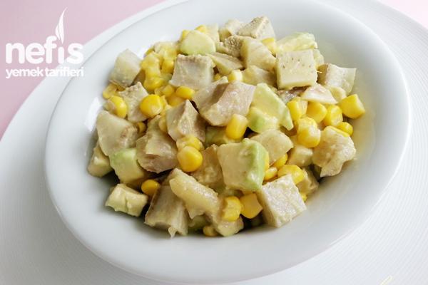 Avokadolu Enginar Salatası Tarifi
