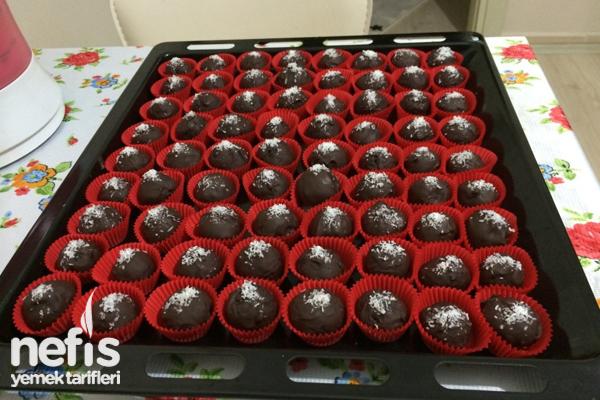 Çikolata Kaplı Elmalı Top Tarifi
