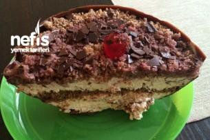Çikolata Kasesinde Kara Ormanlar Pastası Tarifi