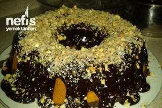 Çikolata Soslu Fındıklı Kek Yapımı Tarifi