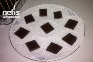 Damla Sakızı Aromalı Kahveli Çikolata Tarifi